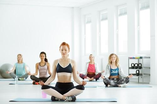 les bienfaits du yoga sur homeyogaparis